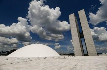 O texto aprovado no Senado restringiu o corte aos meses de abril e maio. Matéria segue para sanção do presidente Jair Bolsonaro