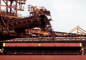 O minério de ferro mais ativo na bolsa de commodities de Dalian saltou 2,9%, para 1.337 iuanes por tonelada