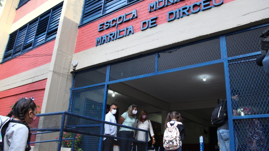Retomada às aulas presenciais na Escola Municipal Marília de Dirceu, em Ipanema, no Rio de Janeiro