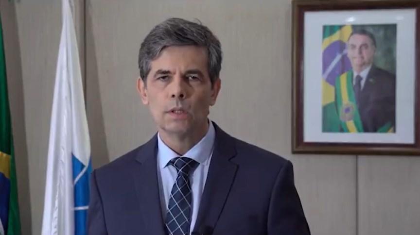 O ministro da Saúde, Nelson Teich, em vídeo no qual anunciou que o Brasil terá 46 milhões de testes para COVID-19