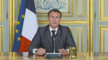 O presidente francês participou da cúpula da União Europeia em Portugal e defendeu ajuda aos países que enfrentam dificuldades na vacinação