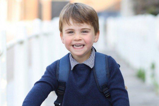 O príncipe Louis, filho mais novo de Kate e William, completa 3 anos nesta sexta-feira (23)