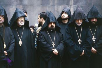 Mortes são consideradas por alguns estudiosos como primeiro genocídio do século 20; o dia 24 de abril é lembrado pelos armênios em todo o mundo