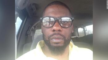 Decisão frustrou familiares de Andrew Brown Jr, de 42 anos, morto a tiros há uma semana