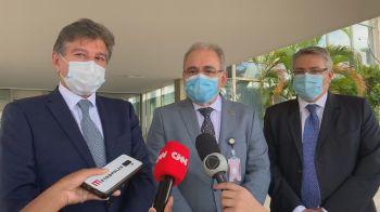 Coquetel de medicamentos teve o uso emergencial aprovado pela Anvisa; custo pode ser possível impedimento
