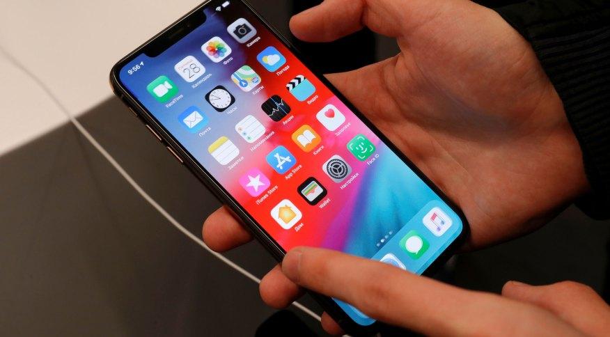 O celular iPhone, da Apple: empresa ultrapassou o valor de mercado de US$ 1,8 trilhão