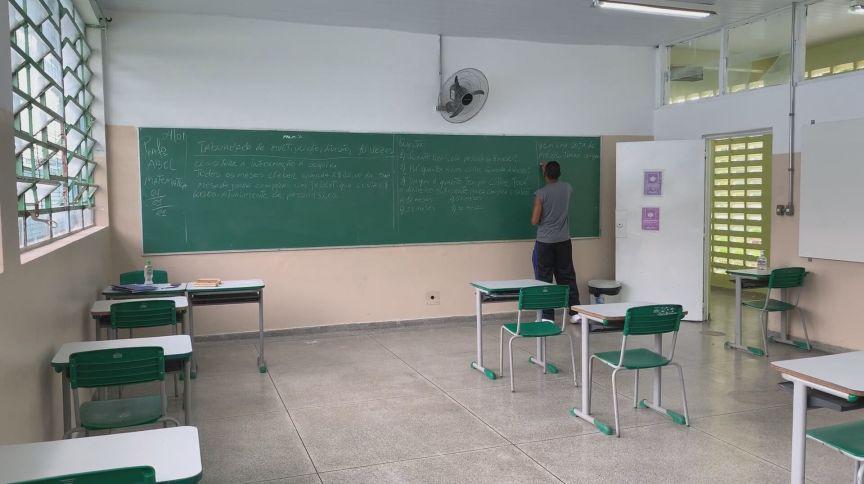 Sala de aula em Salvador (27.abr.2021)