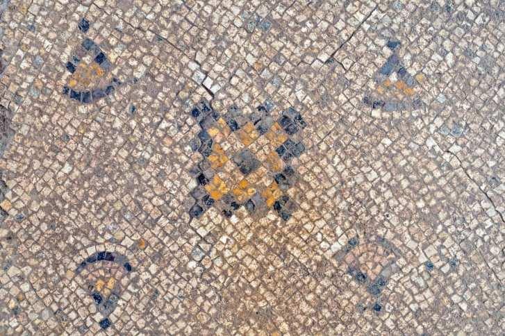 O mosaico foi tratado e preservado por especialistas em conservação
