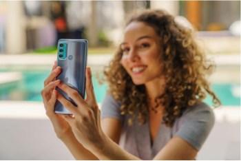 Smartphone também possui tela com taxa de atualização de 120 Hz e câmera traseira de 108 MP