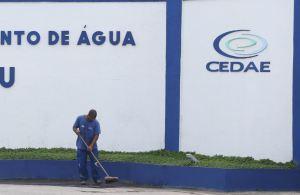 Segundo Cláudio Frischtak, fundador da Inter B., demoraria 140 anos para a atual Cedae universalizar os serviços de água e esgoto para toda a população do Rio