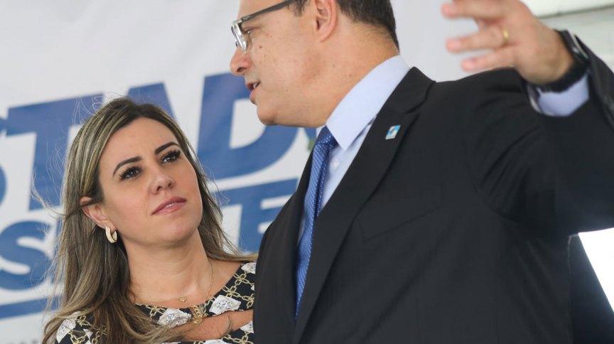 O governador do Rio, Wilson Witzel, ao lado da mulher, Helena Witzel