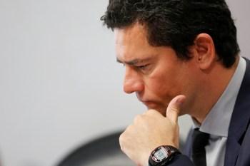 Nesta semana, Lewandowski retirou o sigilo do material. Procuradores da Lava-Jato pediram que o ministro reconsidere a decisão de entregar as mensagens a Lula
