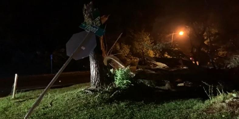 Tornado devastou a cidade de Tupelo
