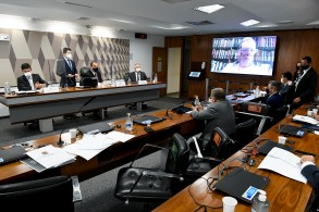 Alegação é de que Marta Díez assumiu o posto em fevereiro deste ano e, segundo a empresa, não teve participação nas tratativas com o governo federal