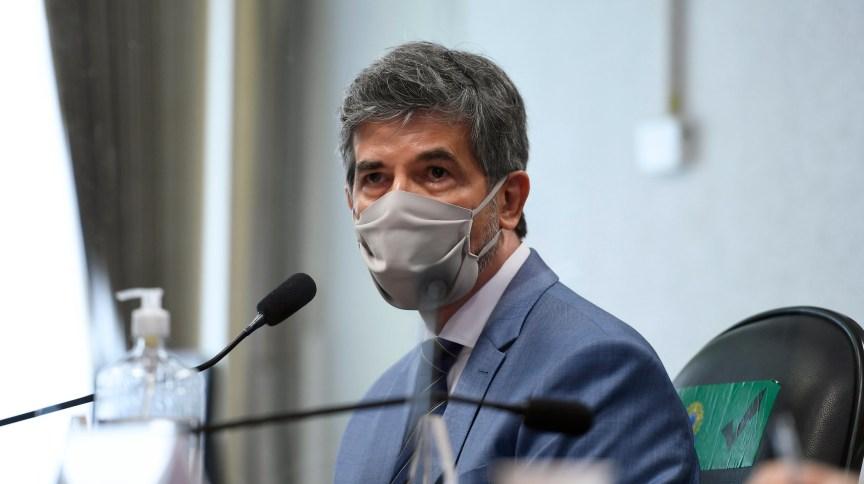 Nelson Teich afirmou que falta de autonomia e liderança foram motivos que o levaram a pedir demissão do Ministério da Saúde