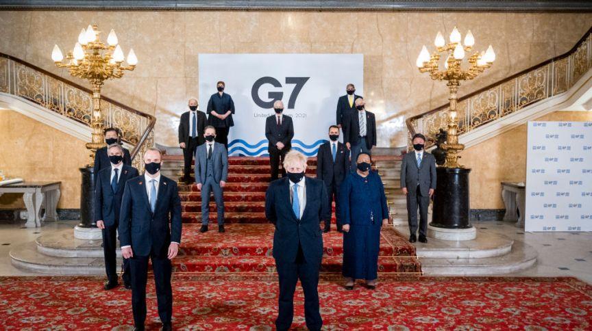 Boris Johnson e ministros das Relações Exteriores na Cúpula do G7