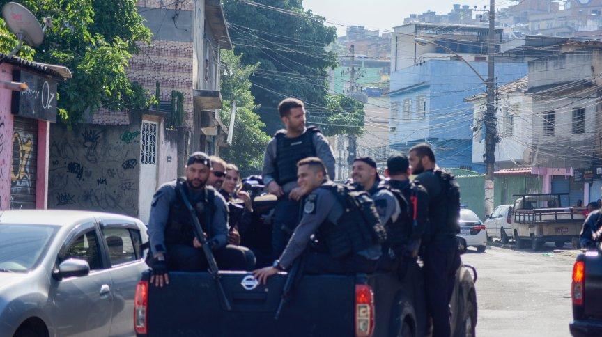 Operação policial deixou pelo menos 25 mortos nas proximidades da estação Jacarezinho