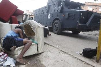 Cerca de 250 policiais participaram da operação. 25 pessoas foram mortas