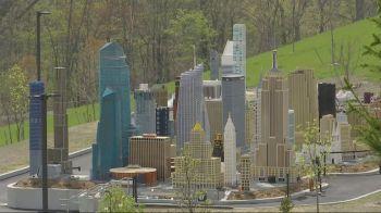 O parque fica a 90 quilômetros do centro de Nova York e as várias minicidades americanas farão parte das atrações