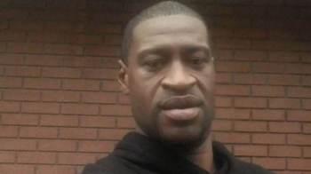 Jurados alegam que os oficiais violaram os direitos constitucionais de Floyd, de acordo com os documentos preenchidos no tribunal
