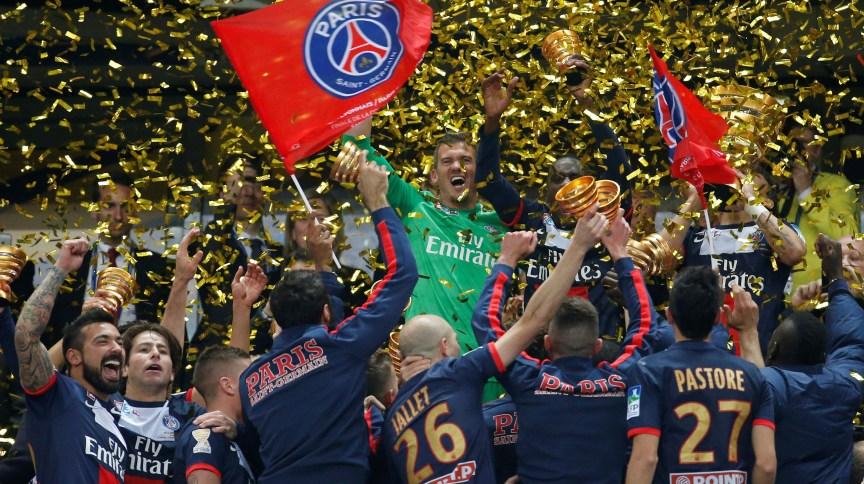 Jogadores do PSG comemoram conquista da Copa da Liga francesa de 2014