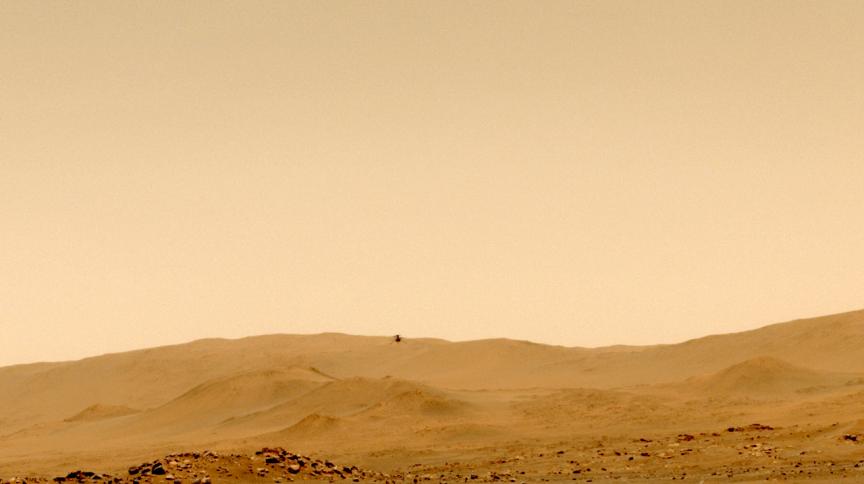 Helicóptero da Nasa Ingenuity fez seu quinto voo com sucesso em Marte, pousando em um novo campo de aviação