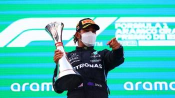 Heptacampeão se recuperou de largada ruim, tirou 22 segundos de vantagem do adversário, venceu pela sexta vez na Catalunha e abriu 14 pontos no campeonato