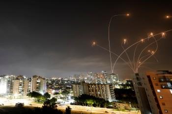 Durante os confrontos entre israelenses e palestinos , militantes palestinos dispararam mais de 1.600 foguetes, disse Jonathan Conricus, porta-voz das IDF