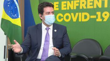 À CNN, Rodrigo Cruz disse ainda que o ministro da Saúde, Marcelo Queiroga, que está com Covid-19, esteve febril ao longo do dia de ontem, mas, às 23h, quando conversaram por telefone, o ministro estava bem