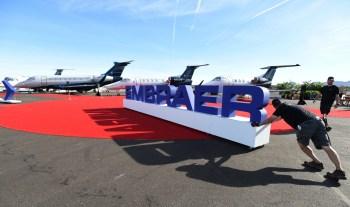 Com base na posição acionária de 12 de novembro, a Embraer tem atualmente 736.143.105 ações ordinárias em circulação no mercado