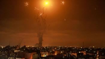 Ao menos 49 pessoas foram vitimadas pelos confrontos; um prédio residencial chegou a ser atingido por foguetes