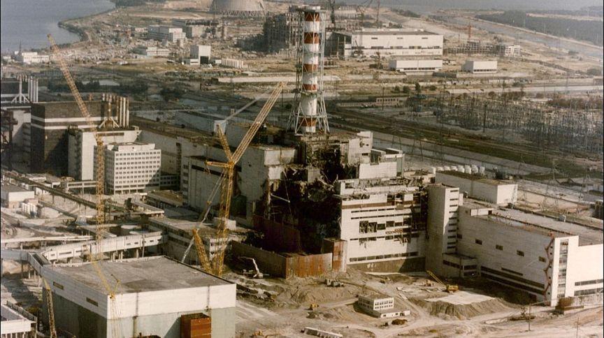 Usina nuclear de Chernobyl três dias após a explosão em 1986