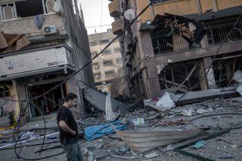 Grupo de direitos humanos Anistia Internacional disse que os ataques aéreos de Israel a edifícios residenciais podem constar como crimes de guerra