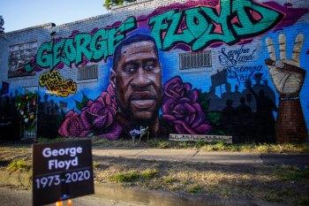 Em 2004, Floyd foi condenado por uma acusação de tráfico de drogas por uma suposta venda de crack no valor de U$ 10
