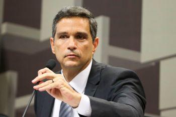 Em evento, Roberto Campos Neto destacou a melhora muito mais rápida das contas públicas do que o que se chegou a esperar depois da pandemia