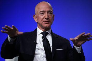 Bezos foi o CEO da Amazon até o início de 2021, quando deixou o posto para atuar no conselho administrativo da empresa