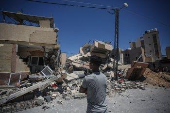 Sons de explosões ecoaram em muitas partes do enclave palestino durante a noite