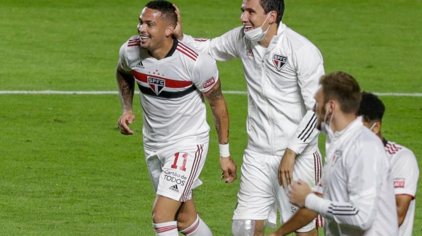 Luciano jogador do São Paulo comemora seu gol durante partida contra o Mirassol no estádio Morumbi pelo campeonato Paulista 2021