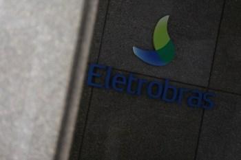 Ações da empresa subiram, mas especialistas do setor elétrico e associações que representam empresas criticaram mecanismos incluídos na MP pelo relator