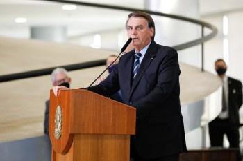 Em sua live na última quinta (17), Bolsonaro voltou a dizer, sem provas, que fraude impediu que ele fosse eleito no primeiro turno em 2018