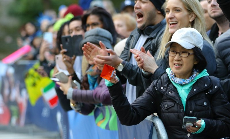 Torcedores durante a maratona de Nova York de 2019