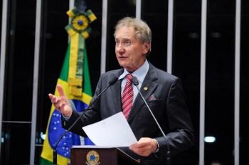 Político de 79 anos morreu na noite de segunda-feira (17); governador Carlos Moisés (PSL) decreta luto oficial de sete dias