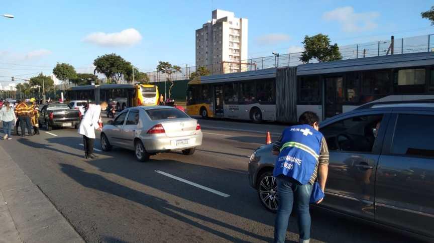 Agentes da Prefeitura fazem blitz para frear movimentação em São Paulo durante quarentena