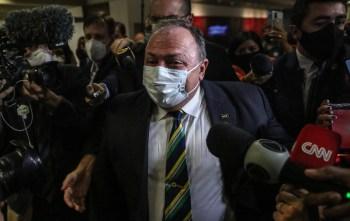 Ex-ministro afirmou a jornalistas que não teve a indisposição relatada pelo senador Otto Alencar, que afirma tê-lo atendido