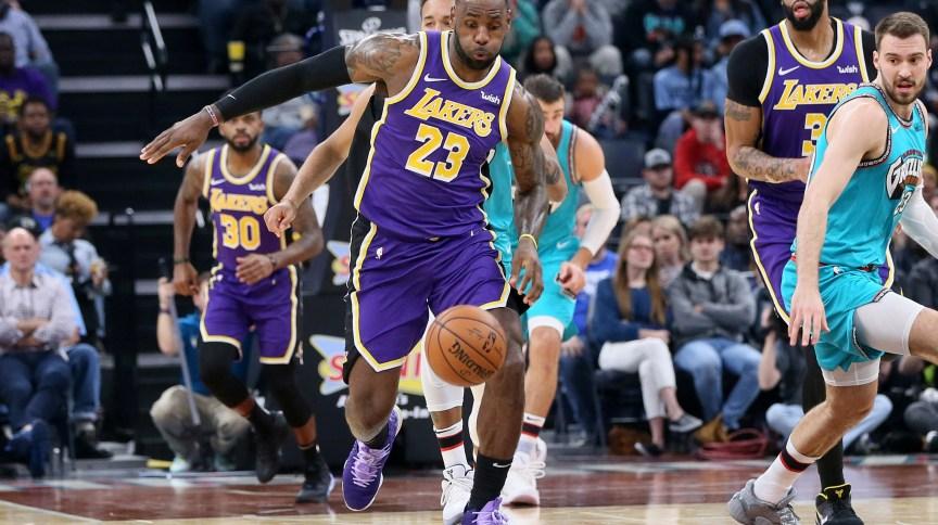 Lance da partida entre os Los Angeles Lakers e o Memphis Grizzlies, pela NBA, liga de basquete interrompida devido à pandemia do coronavírus