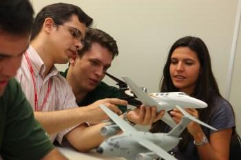 Programa de Especialização em Engenharia da Embraer completa 20 anos com mais de 1.600 alunos formados