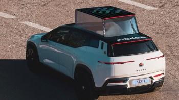 Os fundadores da startup tiveram uma audiência privada com o Papa Francisco na quinta-feira (20) para apresentar o design do carro