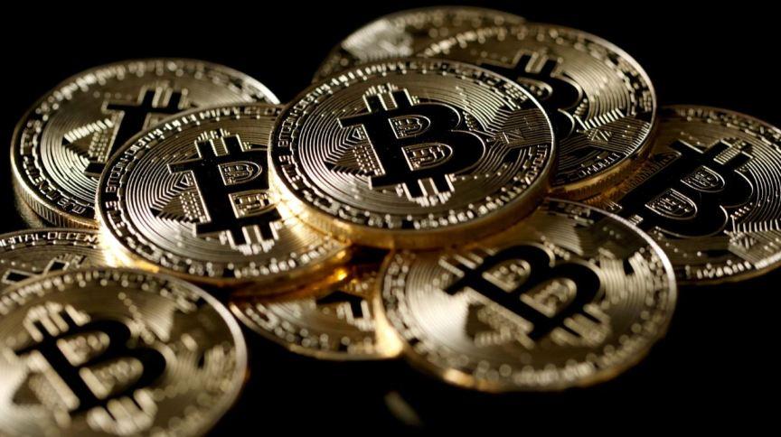 China vai reprimir atividades de mineração e negociação de bitcoin