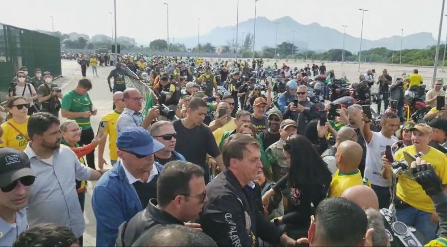 Bolsonaro participa de passeio de motociclistas no Rio de Janeiro (23 de maio de 2021)