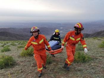 'Pressionei SOS no meu GPS e desmaiei', disse o atleta que se abrigou em uma caverna; 21 pessoas morreram durante a competição devido ao clima extremo